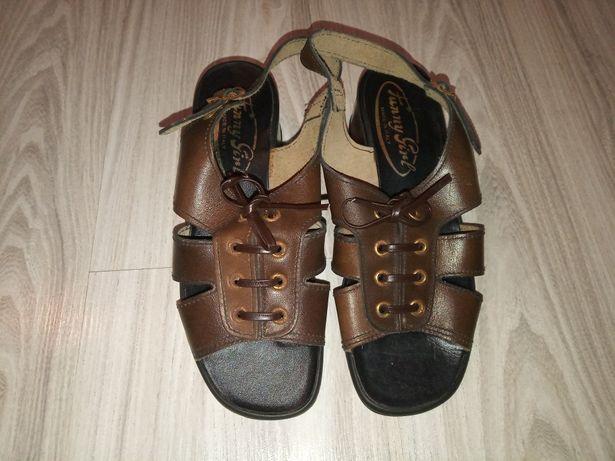 Buty sandały na obcasie
