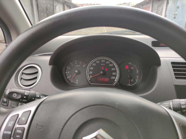 Suzuki Swift 1.3 benzyna 2005r.