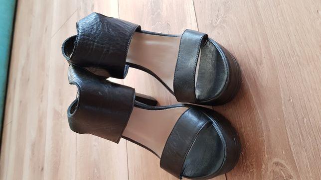 Sandałki Lasocky