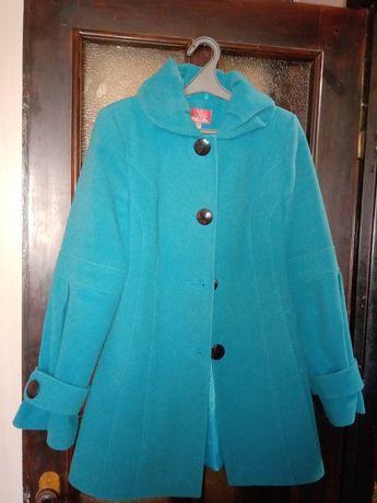 Пальто в хорошому стані.