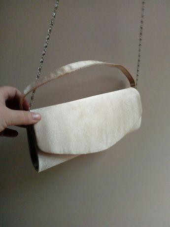 Złota kopertówka torebka