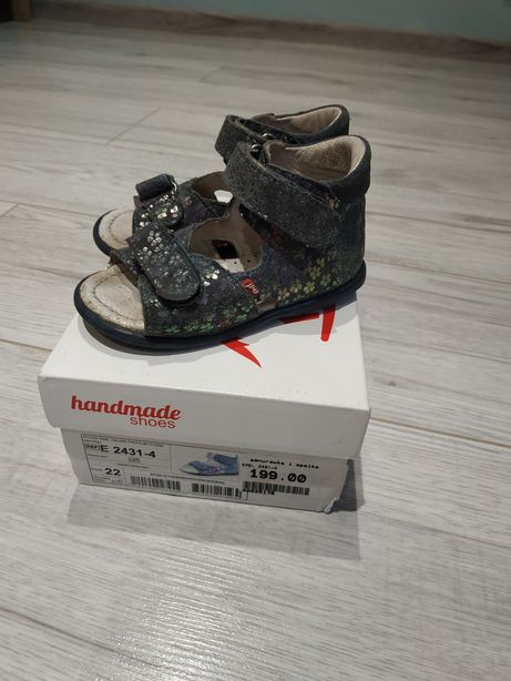 Sandałki firmy Emel