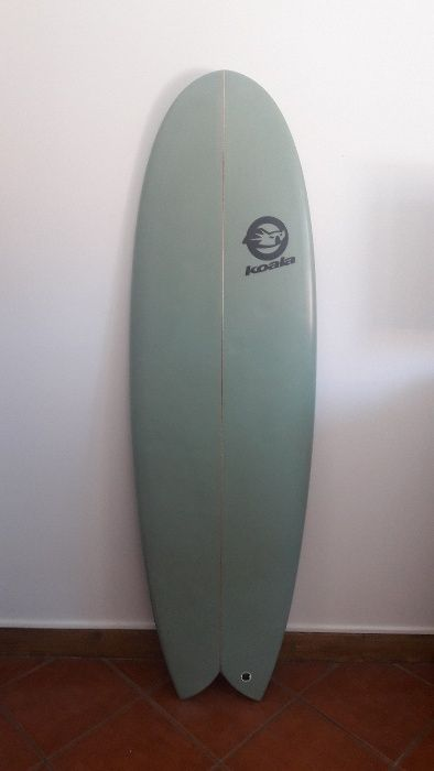 """Koala Surfboards Round Nose Fish Twin Fin 5´10"""" c/ quilhas fixas"""