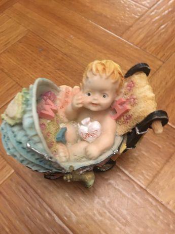 Статуетка ребенок в коляске
