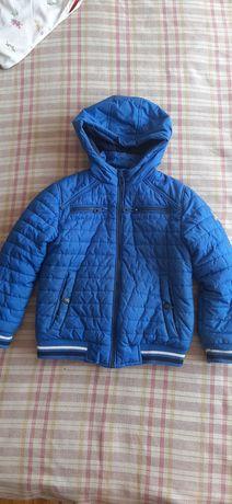Продам детскую курточку. Синяя. 6-7 лет. Весене-осенняя. Недорого