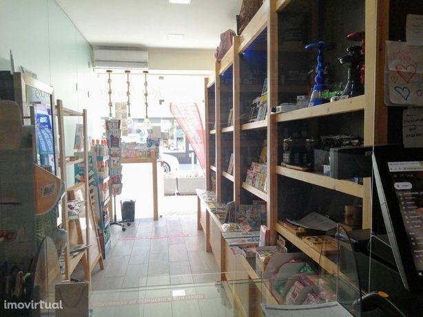 Excelente Loja de Tabacaria e Papelaria no centro de Port...