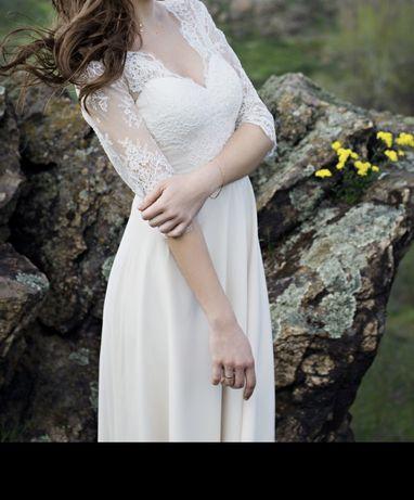Шикарное свадебное платье цвета айвори