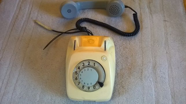 stary aparat telefoniczny, żółto-szary, oryginalny, firma ELEKTRIM