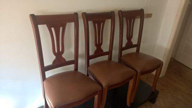 3 cadeiras todas em pele