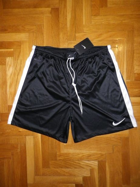 Спортивные шорты NIKE DRI-FIT (Sri Lanka) original L