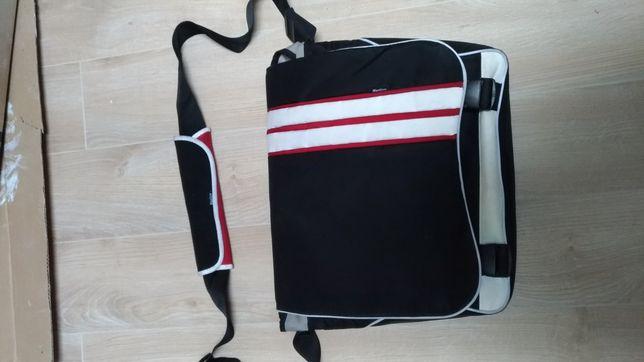 Solidna torba na laptop