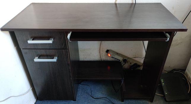 Biurko komputerowe z szufladą i półeczką dolną