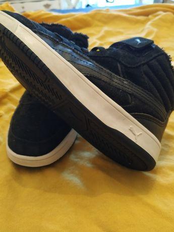 Sneakers Puma tam.33 de camurça com pelo