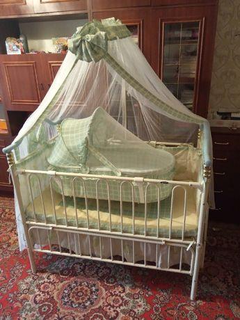 Детская кроватка Geoby TLY-632R-RPUR