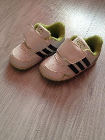 Niechodki Adidas, NOWE, roz.18