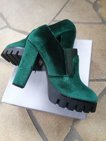 Buty damskie nowe 2 kolory rozmiar 36