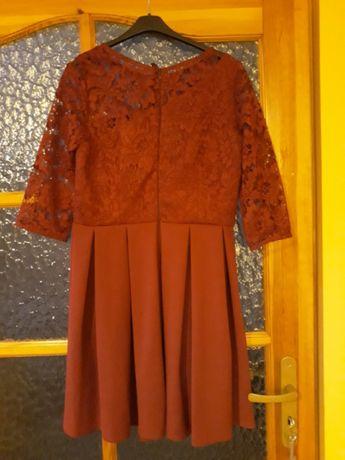 Sukienka czerwona! Stan bardzo dobry!
