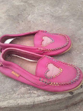 Продаю обувь для девочки