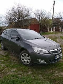Opel Astra Sports tourer 2011гв.