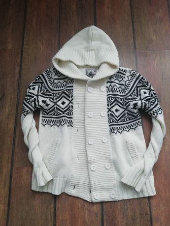 Swetr w rozmiarze M