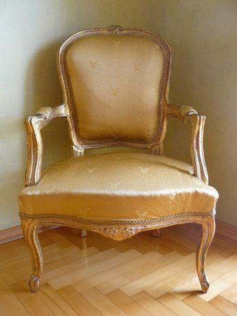 fotel stylizowany antyk