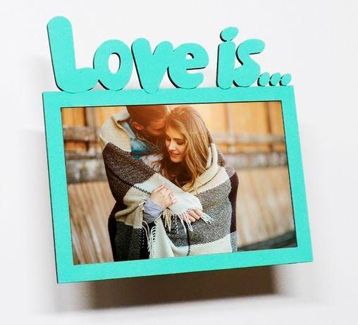 Деревянная фото рамка Love is... подарок на 8 марта, день рождения