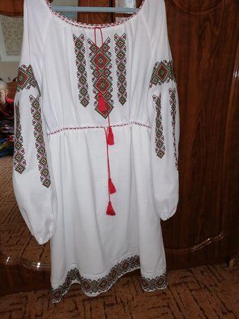 Вишите плаття для дівчинки