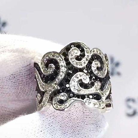 Кольцо широкое в черных и белых камнях серебро, чернение.