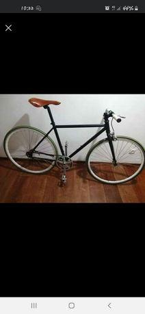 Bicicleta Modelo Via Fix8 Marcha