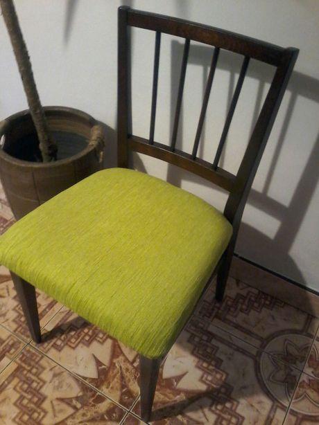 Krzesła 6szt mocne i stabilne.  Ogłoszenie aktualne