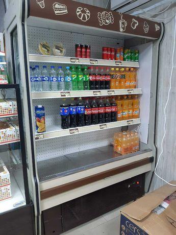 Холодильник пристенный.
