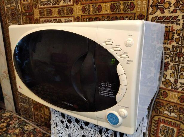 Продам микроволновую печь LG.