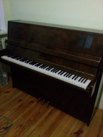 продам чешское пианино Petrof