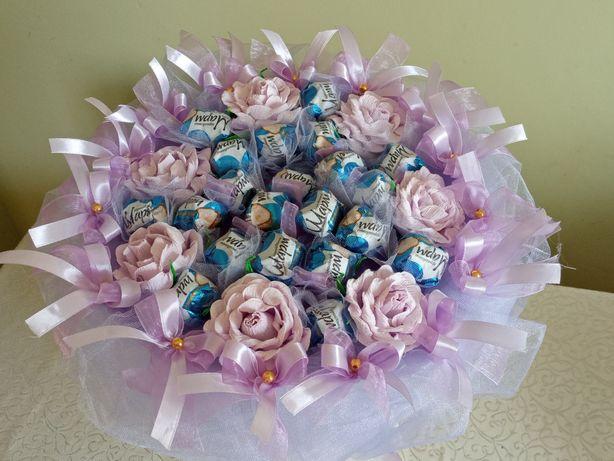Квіти з цукерок,