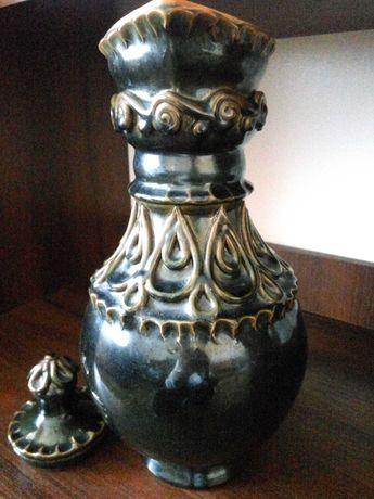 декоративные вазы и кувшин