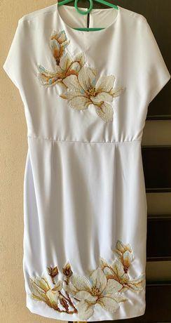 Продам вышитое платье бисером (ручная работа)