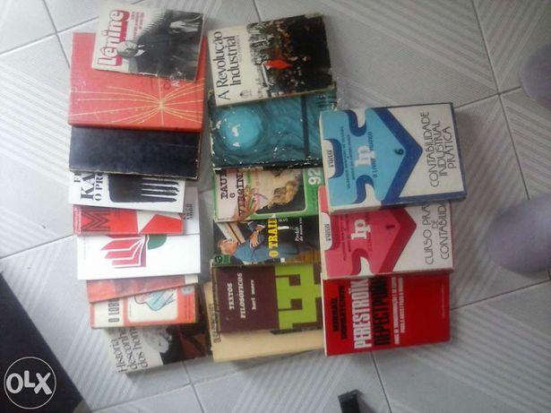 18 Livros variados