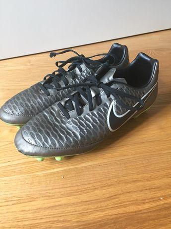 Korki buty piłkarskie Nike chłopięce rozm.41