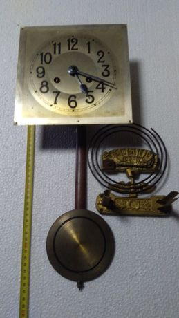Stary kompletny mechanizm zegara 4