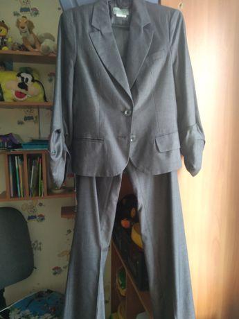 Женская одежда 42-44 размера костюмы манто пиджак