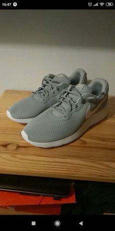 Buty Nike tanjun NOWE