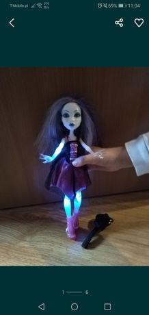 Lalka monster high spectra świeci duch dźwięk baterie upiorna