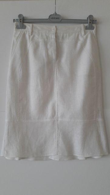 Spódnica biała.