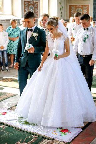Класне Весільне плаття
