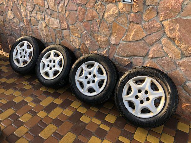Диски с зимней резиной 5х114,3 R15 67,1 Bridgestone Blizzak 195/65 R15