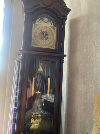 Sprawny zegar stojacy
