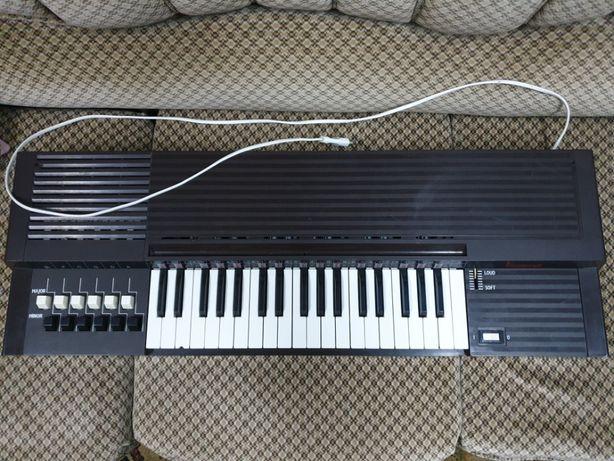 Bontempi B12, órgão com 12 acordes