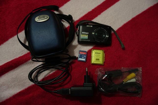 Nikon S3300 16MP + SD 16GB + estojo (c/ todos os acessórios originais)