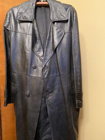 Кожаное мужское пальто «О-ля комиссар»