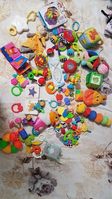 Игрушки, погремушки Chicco, Fisher price, Tiny love, Lamaze, Pusblu.